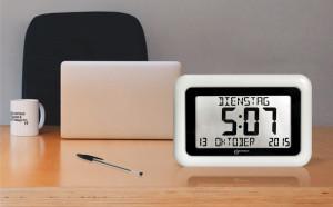 Funk-Wanduhr/ Tischuhr mit Kalender, weiß