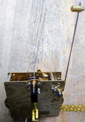 Heimuhrwerk Hermle 261-080, 8-Tage, Pendel 23cm , Schlag auf Glocke