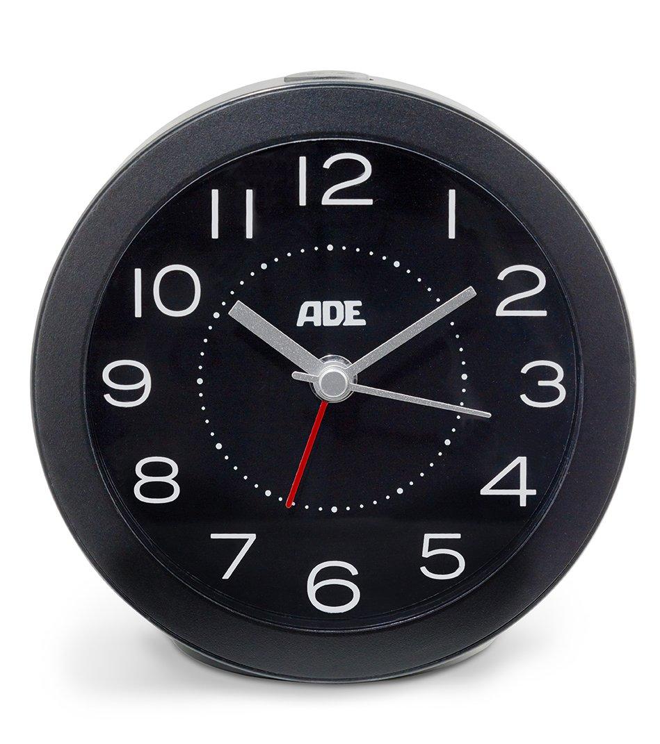 Analog quartz alarm clock with lighting